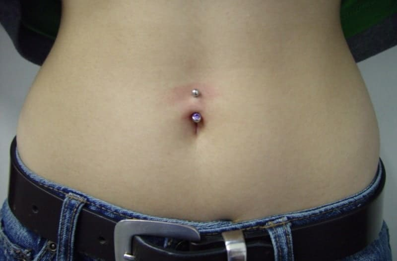 Navel piercing pain and keloids