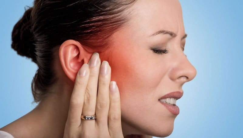 symptoms and treatment of an Infected Ear Piercing