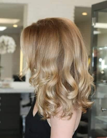 sandy honey blonde hair color ideas in trend